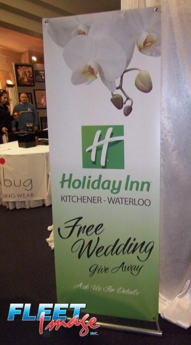 Holiday Inn signage